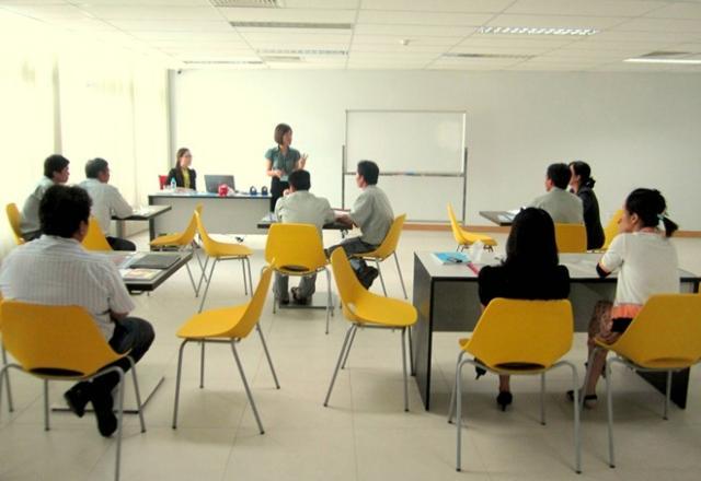 Cách vượt qua rào cản tâm lý học tiếng Nhật cho người đi làm.