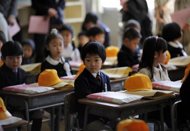 Trẻ con Nhật Bản bắt đầu học tiếng Nhật như thế nào?